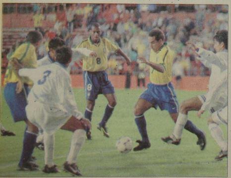 El enfrentamiento Brasil-Guatemala se llevó a cabo en el Estadio Orange Bowl de Miami, Estados Unidos. (Foto Prensa Libre: Hemeroteca PL)