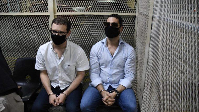 Luis Enrique Martinelli -d- y Ricardo Martinelli hijo -i-, detenidos en Guatemala. Foto: Hemeroteca PL