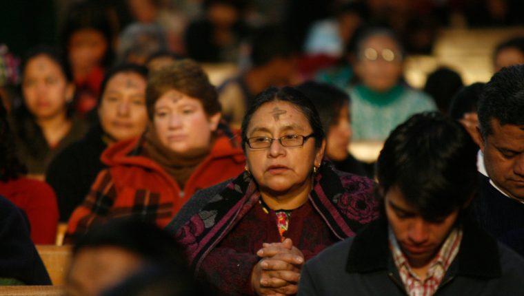 El Miércoles de Ceniza marca el inicio de la Cuaresma, tiempo de preparación para la fiesta de Pascua. (Foto Prensa Libre: Hemeroteca PL).