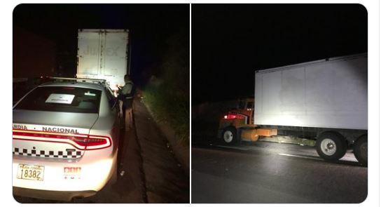 Los migrantes iban ocultos en dos camiones que transitaban por carreteras de Oaxaca y Veracruz. (Foto Prensa Libre: INM)