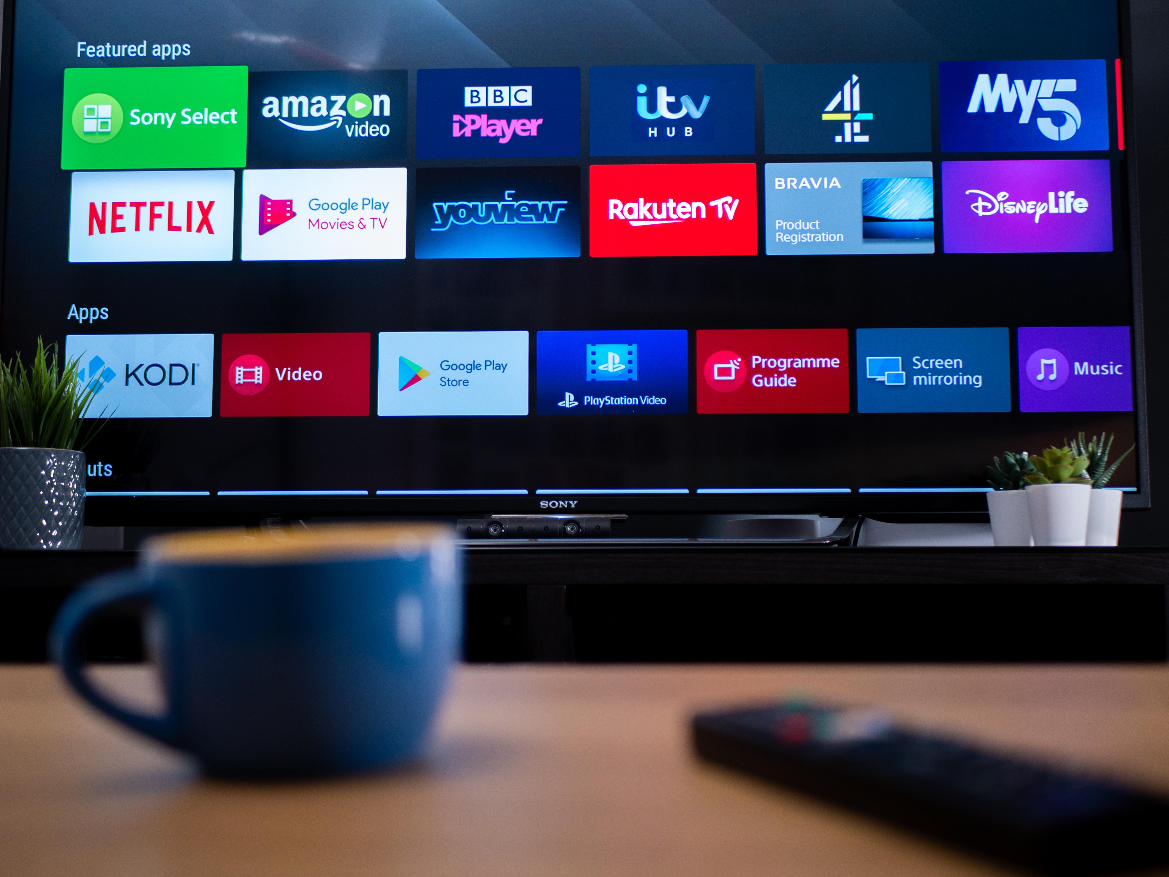 Los televisores inteligentes suelen presentar un acceso más allá de los vídeo.