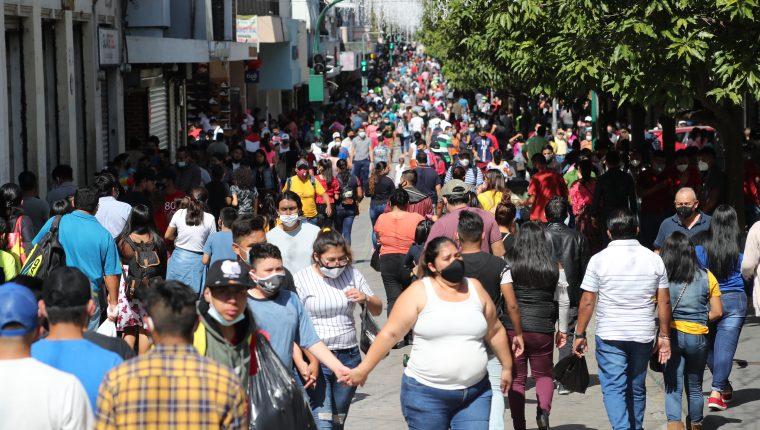 El número de contagios podría ser entre 10 a 18 veces mayor, según estimaciones. (Foto Prensa Libre: Hemeroteca PL)
