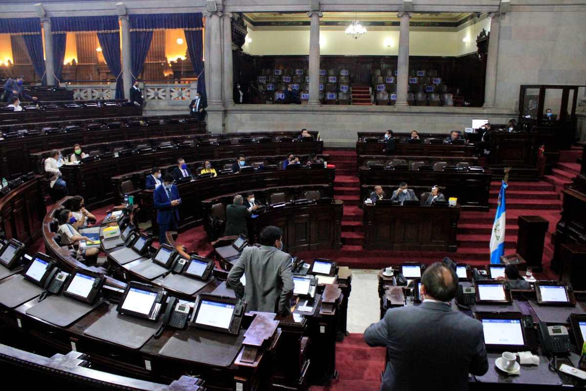 TSE presenta iniciativa de ley que abre la puerta al transfuguismo y blindaría a unos 80 diputados