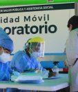 Las pruebas de covid se han centralizado y de los 340 municipios, 295 no cuentan con pruebas suficientes. (Foto Prensa Libre: Juan Diego Gonález)