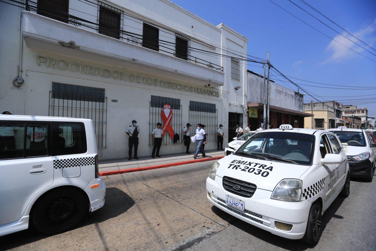 Nueva protesta: taxistas saldrán a las calles el 24 de febrero