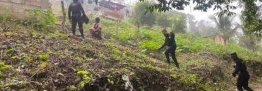 Durante la búsqueda, policía y vecinos se unieron para encontrar a la niña. (Foto Prensa Libre: Archivo)
