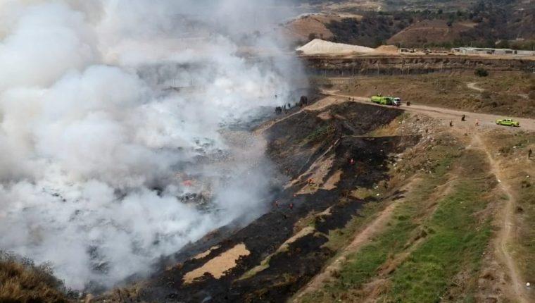 El vertedero a cargo de Amsa ha reportado varios incendios provocados por personas desconocidas que llegan al lugar. (Foto Prensa Libre: Byron García)