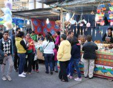 Antes de la pandemia del covid-19, las ferias cantonales de Cuaresma atraían comerciantes y visitantes a Xela. (Foto Prensa Libre: María José Longo)