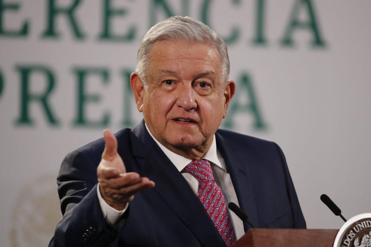 """AMLO se niega a usar mascarilla """"porque ya no contagio"""" y dice que los mexicanos son libres de hacerlo o no"""