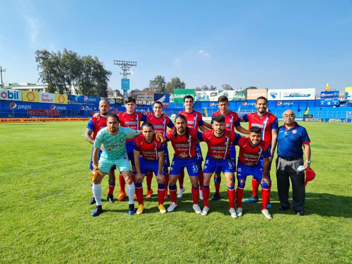 Xelajú MC cierra la jornada con triunfo; Municipal y Antigua son coleros