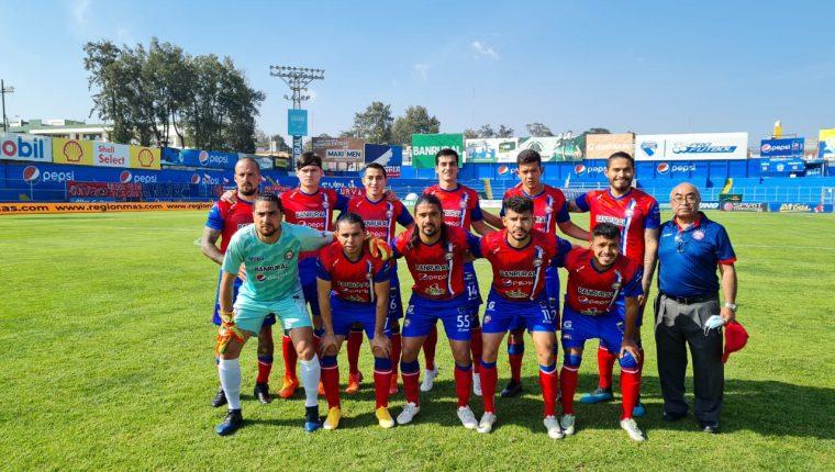 Xelajú MC superó a Iztapa en el partido disputado en el estadio Mario Camposeco. (Foto Cortesía).
