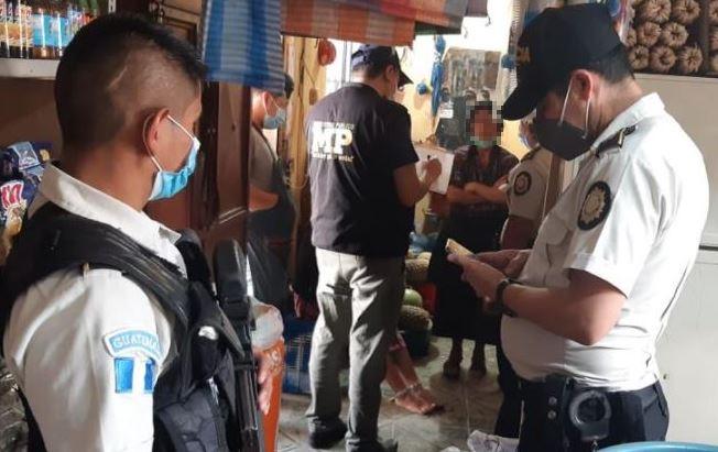 Madre tenía encadenada a su hija de 13 años en Joyabaj, Quiché