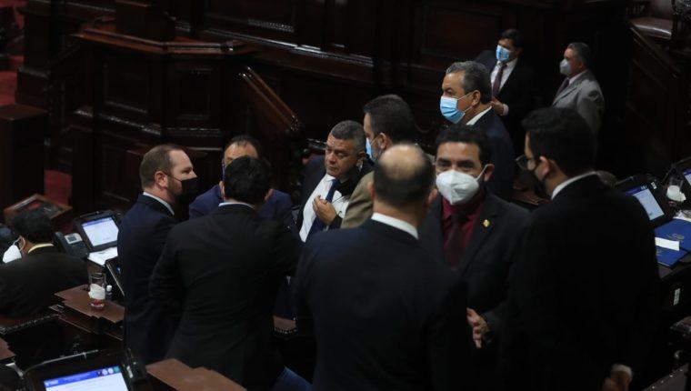 Diputados en la sesión que comenzó la elección de salas de Apelaciones. (Foto: Juan Diego González)