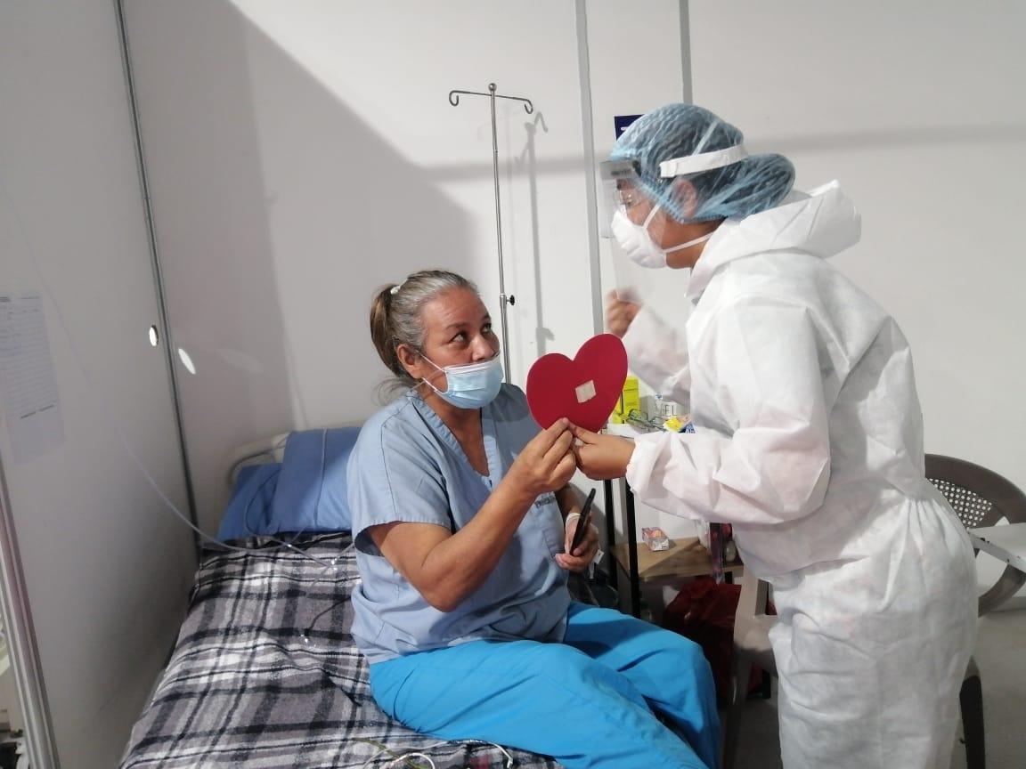 Las flores, las tarjetas y los mensajes que conmovieron a los pacientes del Hospital Parque de la Industria en el Día del Cariño