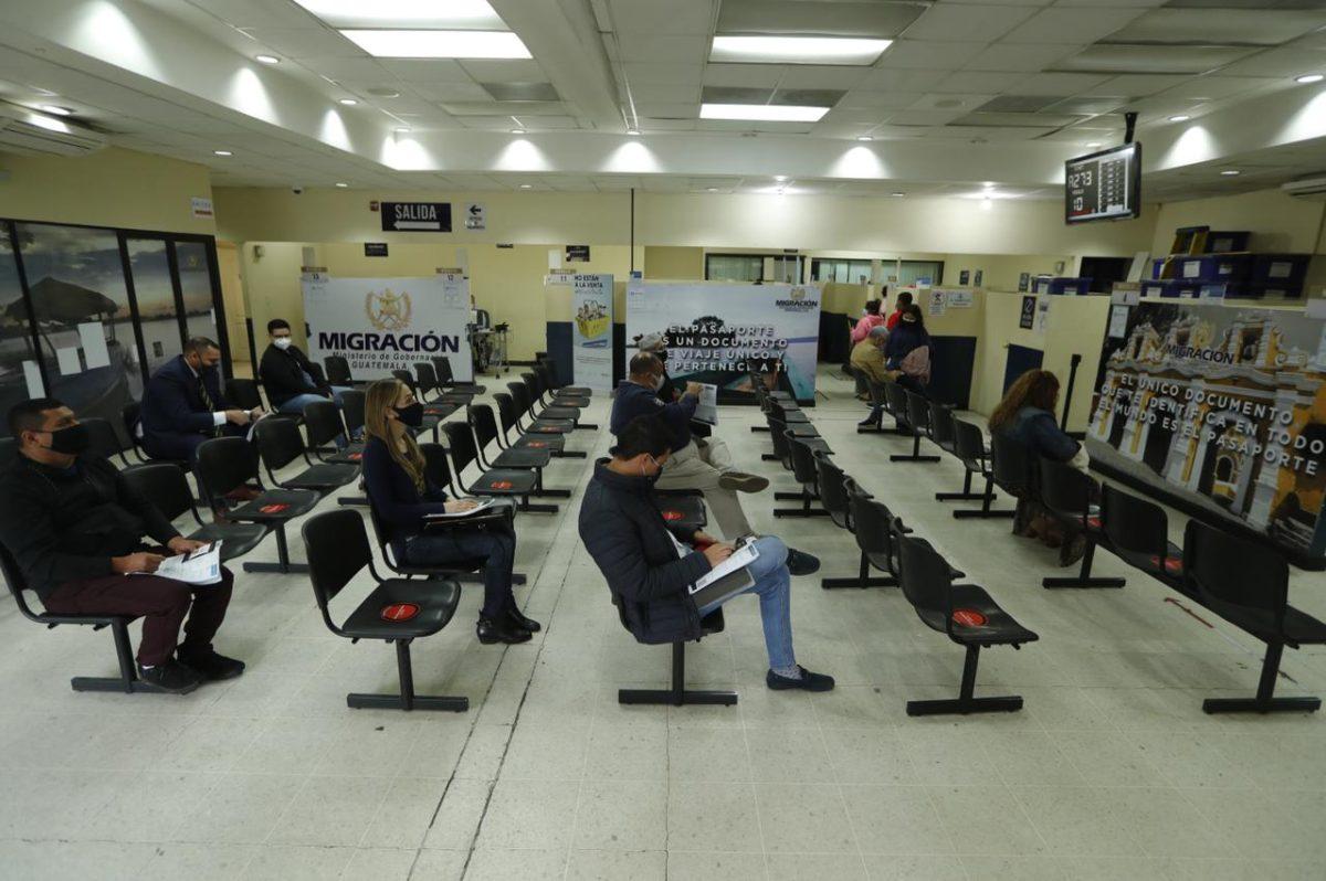 Migración: Aforo y distanciamiento por coronavirus impiden mayor emisión de pasaportes