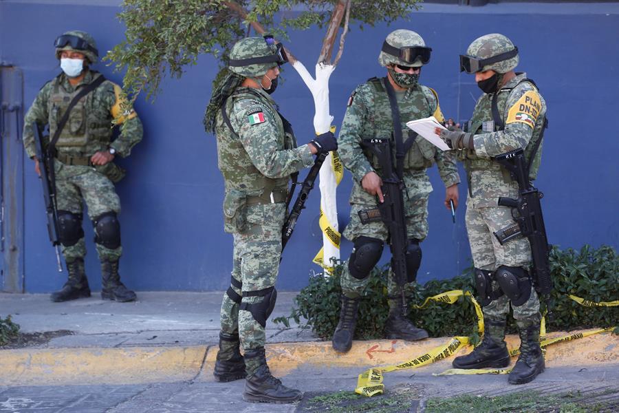 Qué se sabe del hallazgo de 18 bolsas con presuntos restos humanos en el oeste de México