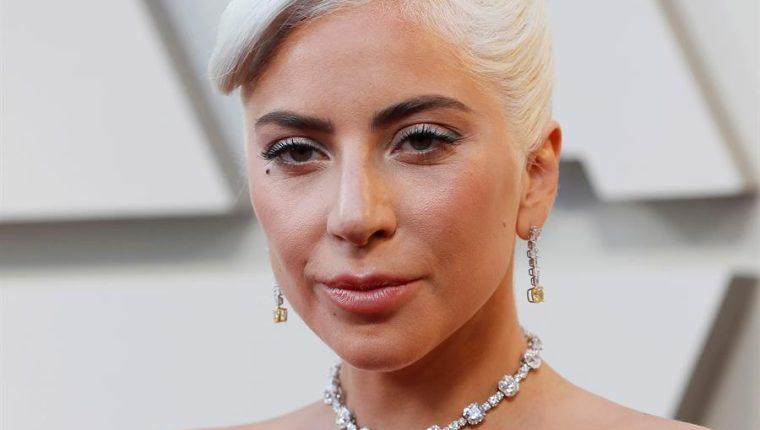 Roban a tiros dos perros de Lady Gaga y ella ofrece recompensa millonaria. (Foto Prensa Libre: EFE)