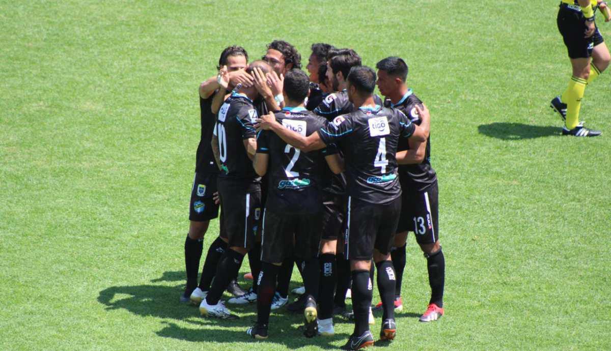 El Moyo Contreras vuelve a anotar con Comunicaciones después de 4 años