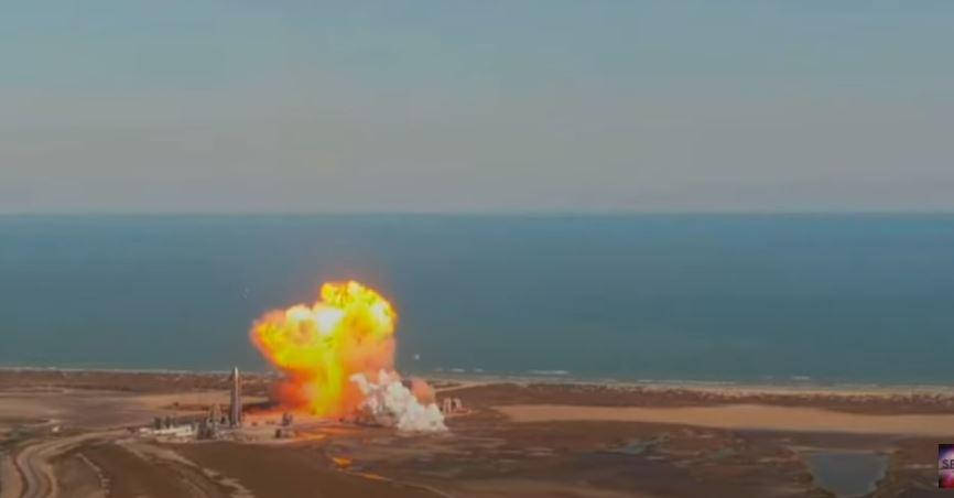Video: el impactante momento en que una nave de SpaceX explota durante el aterrizaje