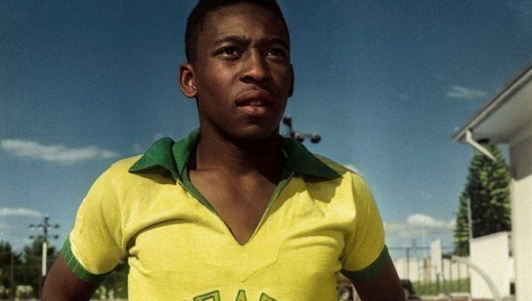 """""""Pelé"""", el el reciente documental de Netflix que muestra datos interesantes del futbolista brasileño. (Foto Prensa Libre: EFE)"""