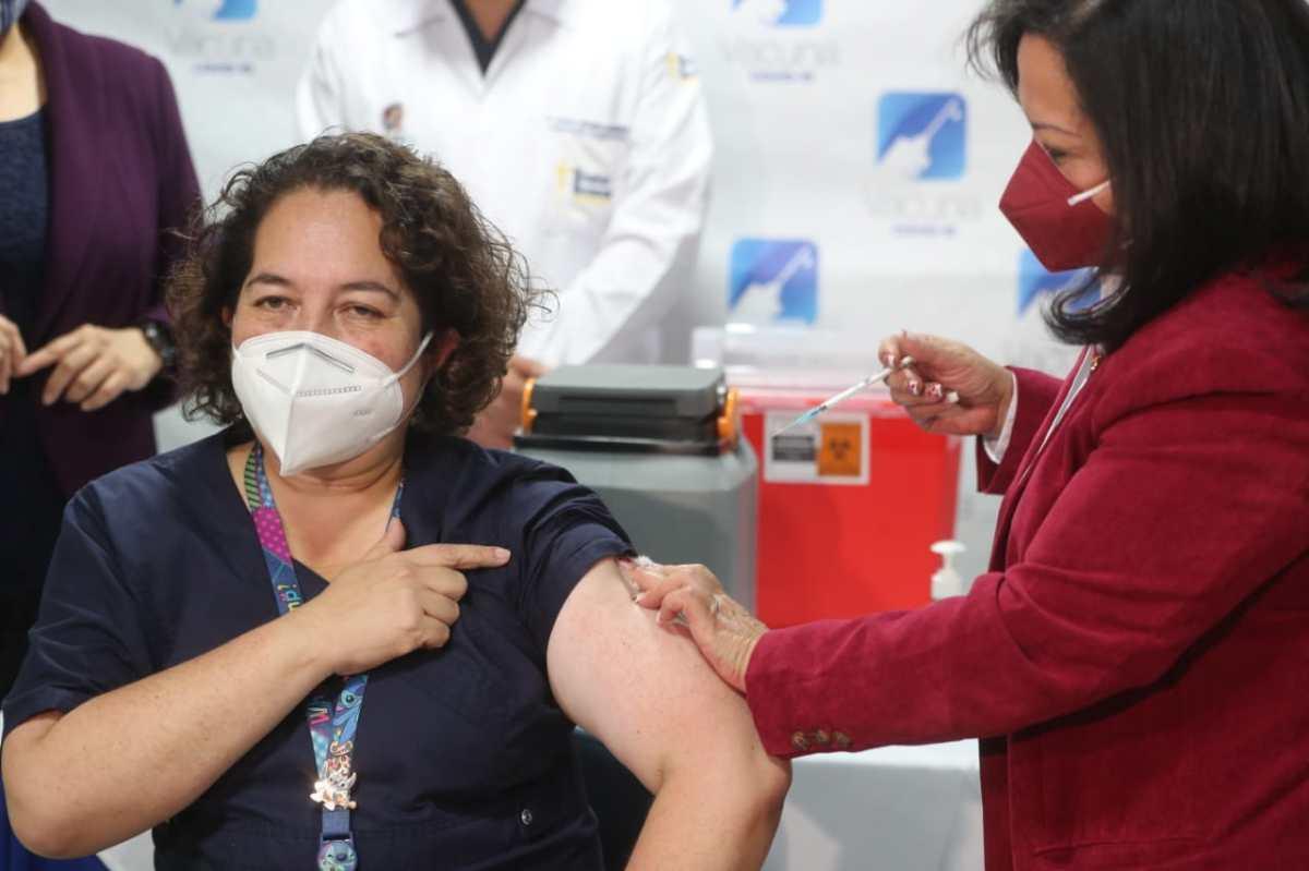 Estas son las seis vacunas que llegarán a Guatemala (y la explicación de su uso)