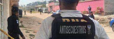 Una mujer llevaba varios días secuestrada y fue rescatada por la PNC en Jalapa. (Foto Prensa Libre: PNC)