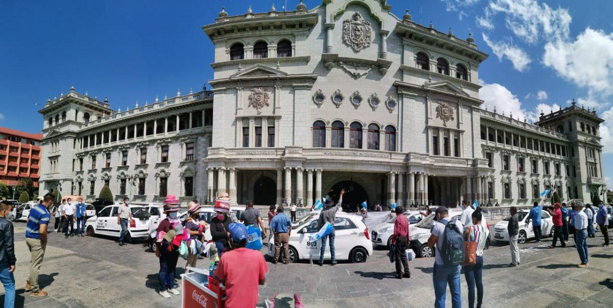 Cuáles los argumentos de taxistas que se oponen al seguro de responsabilidad para terceros