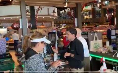 Video de tienda en Florida que no exige mascarillas se hace viral y así responde el propietario