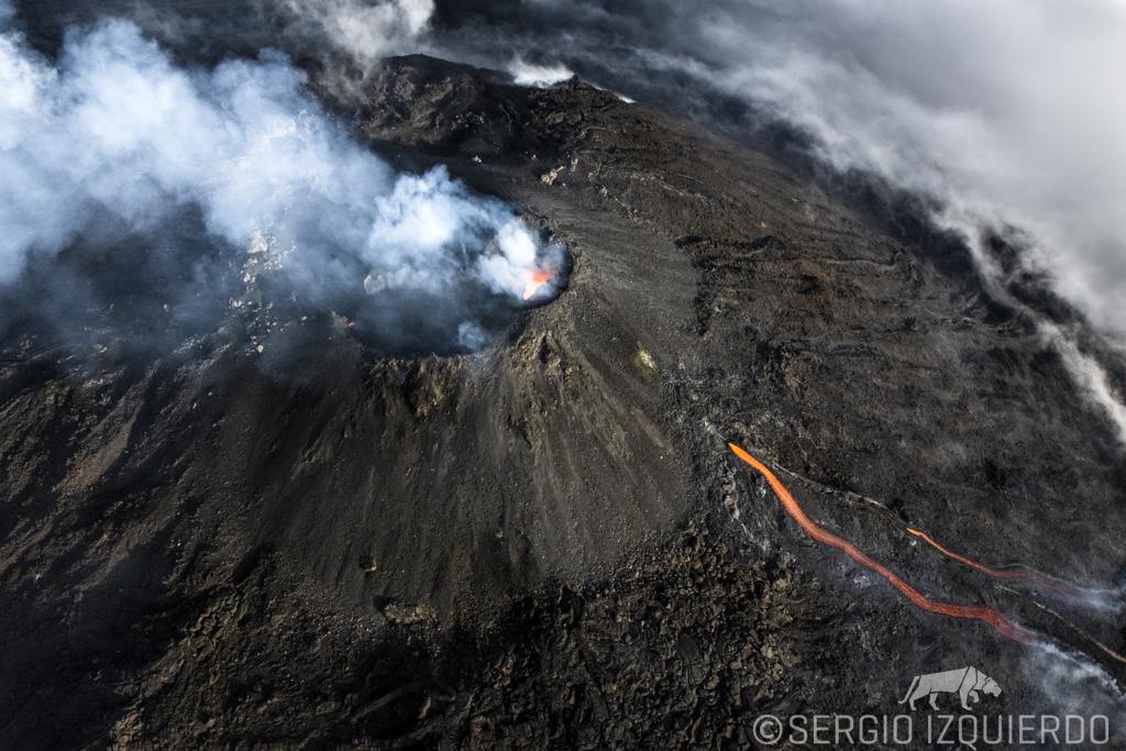 Persiste alarma por erupción del volcán Pacaya, que emite sonidos similares a los de una turbina de avión