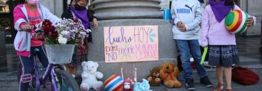 Niñas y niños piden seguridad para poder jugar en paz. (Foto Prensa Libre: María José Longo)