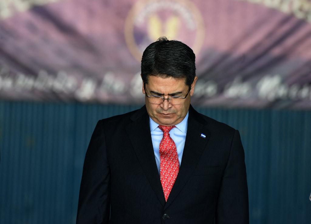 Fiscales dicen que el presidente hondureño prometió ayudar a inundar Estados Unidos con cocaína