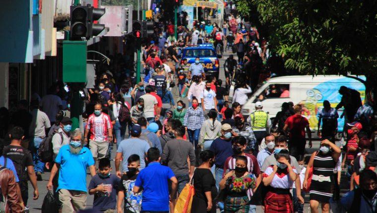 """""""La gente ya perdió la percepción del riesgo"""", dice experto quien proyecta más riesgos para la primera quincena de mayo"""