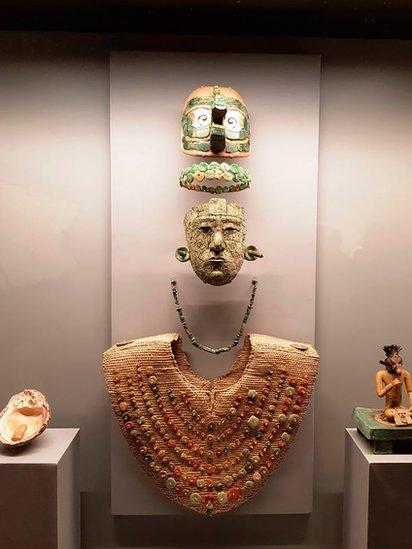 La fascinante historia de la Reina Roja, la aristócrata cuya tumba guardaba oscuros secretos de la civilización maya
