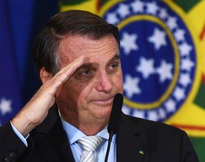 De la militarización del poder al desdén por las mascarillas: 3 gestos de Bolsonaro que causan preocupación en Brasil