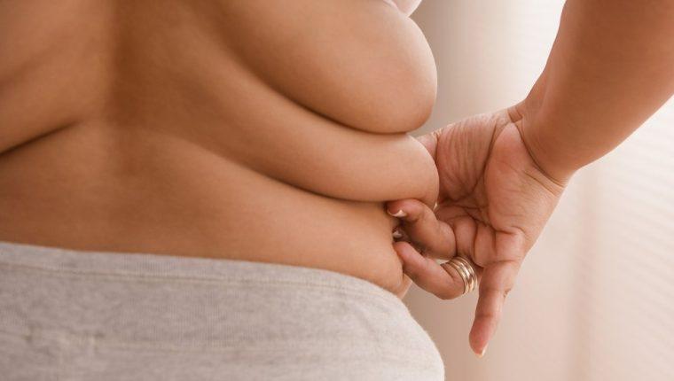 El principal reservorio de grasa en nuestro cuerpo es el tejido adiposo blanco, pero existe también un tejido adiposo marrón. (GETTY IMAGES)