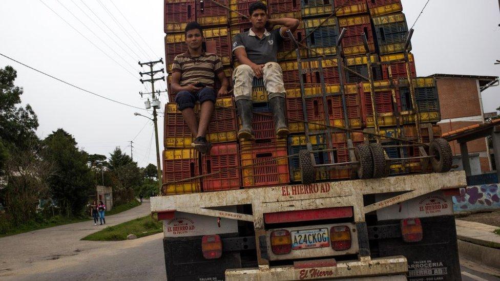 """""""Aquí no hay diésel"""": la última crisis de Venezuela y cómo puede llevar a un """"aumento drástico"""" de la inseguridad alimentaria en el país"""