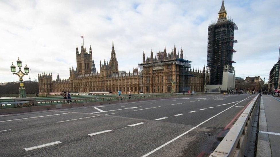 Coronavirus en Reino Unido: cómo Londres logró registrar ninguna muerte por covid-19 durante un día