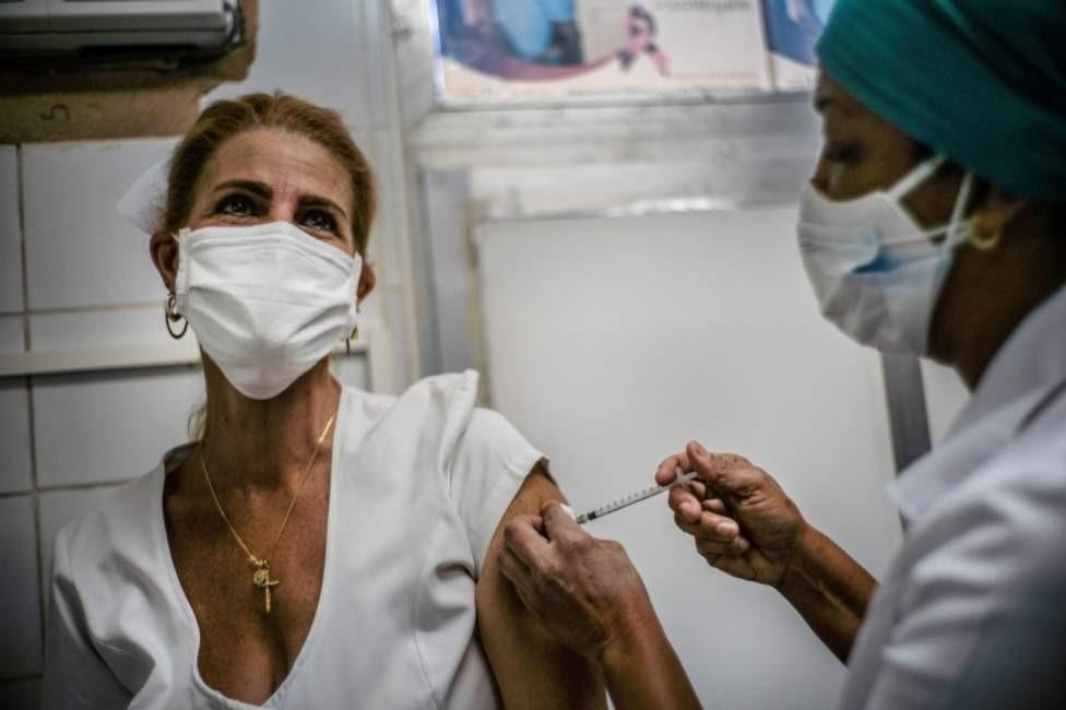 Soberana 02: Cuba empieza a administrar su vacuna contra covid-19 a trabajadores de salud en la última fase del ensayo