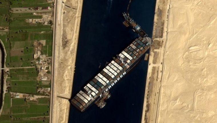 Al ser una de las principales arterias económicas del mundo, el estancamiento del carguero Ever Given ha tenido una serie de consecuencias económicas.