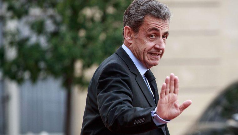 El expresidente francés Nicolas Sarkozy ha sido condenado a tres años de prisión por corrupción. (Foto Prensa Libre: EFE)