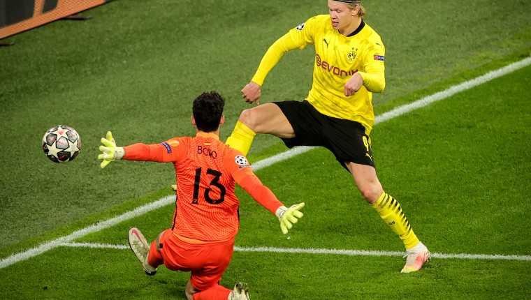 Erling Haaland rompió cinco récord de Champions el 9 de marzo durante el partido ante el Sevilla. Foto Prensa Libre: EFE.