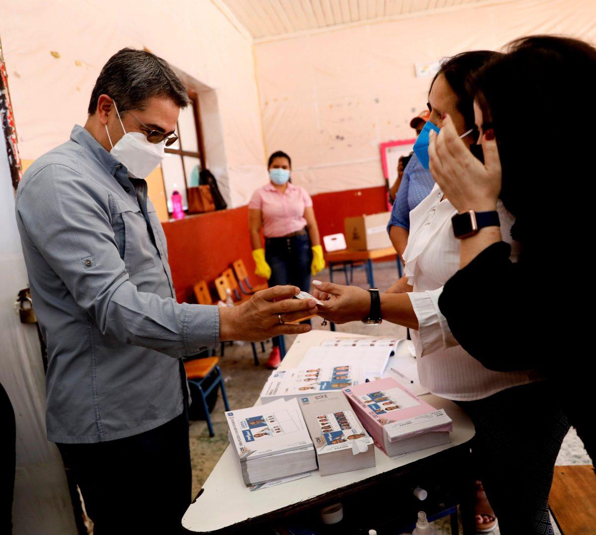 Honduras celebra elecciones primarias en medio de señalamientos de corrupción y narcotráfico contra líderes políticos