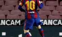 GRAF5689. BARCELONA, 15/03/2021.- El delantero argentino del FC Barcelona Leo Messi (3i) celebra su gol, primero del equipo ante la SD Huesca, durante el partido de la jornada 27 de LaLiga que se disputa este lunes en el Camp Nou. EFE/Toni Albir