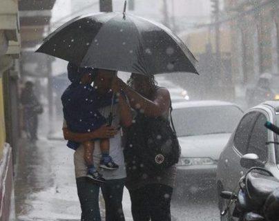 Abríguese bien: sistema nuboso causará ventarrones y lluvia en varias regiones del país