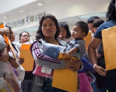 """""""Son víctimas de la tortura"""": familias migrantes separadas por Trump podrían reunirse y quedarse en EE. UU."""