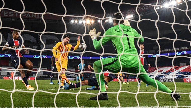 Lionel Messi falló varias oportunidades, incluido un penal, ante Keylor Navas. Foto Prensa Libre: AFP)
