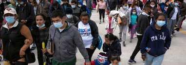 Migrantes en la frontera de Tijuana-San Ysidro. Miles de solicitantes de asilo podrán ser devueltos de nuevo a las peligrosas ciudades fronterizas mexicanas. (Foto Prensa Libre: Hemeroteca PL)
