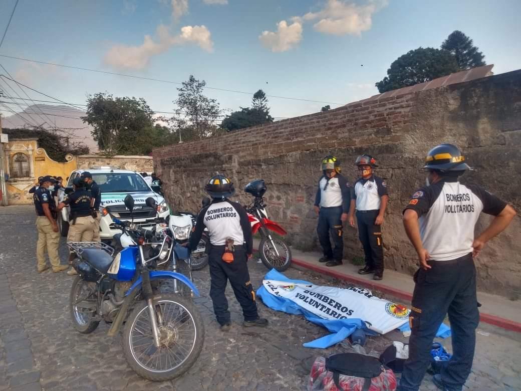 Inacif confirma causa de la muerte del hombre que fue sometido por policías municipales de Antigua Guatemala