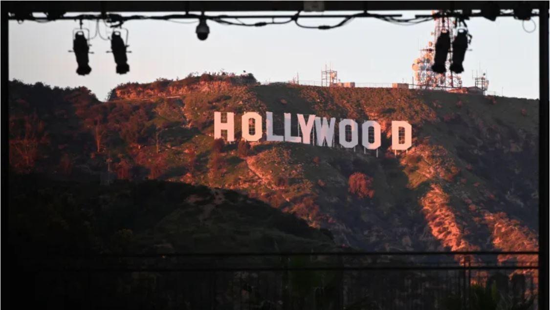 Trabajadores de Hollywood intentan vacunarse antes de tiempo y suspenden jornada de inmunización