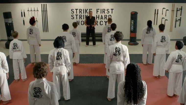 """La producción de """"Cobra Kai"""" ya trabaja en la cuarta temporada de la serie. (Foto Prensa Libre: Netflix)"""